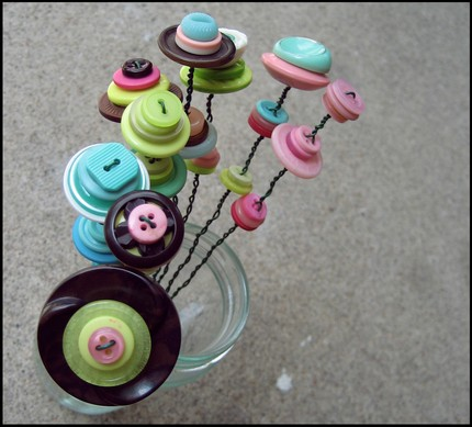 Button centrepiece