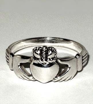 Claddagh_Ring_1