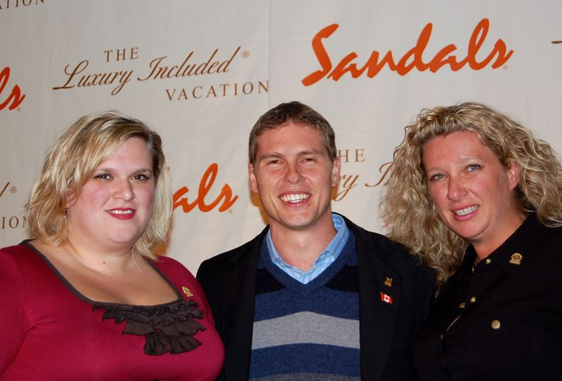 sandals unveils new �island routes� at chairman�s dinner